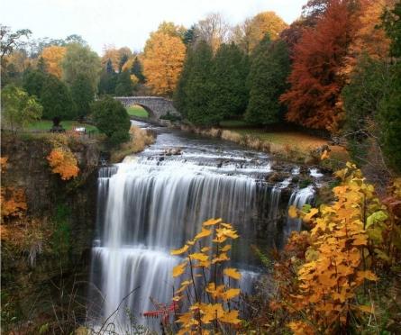 hamilton-canada-waterfalls